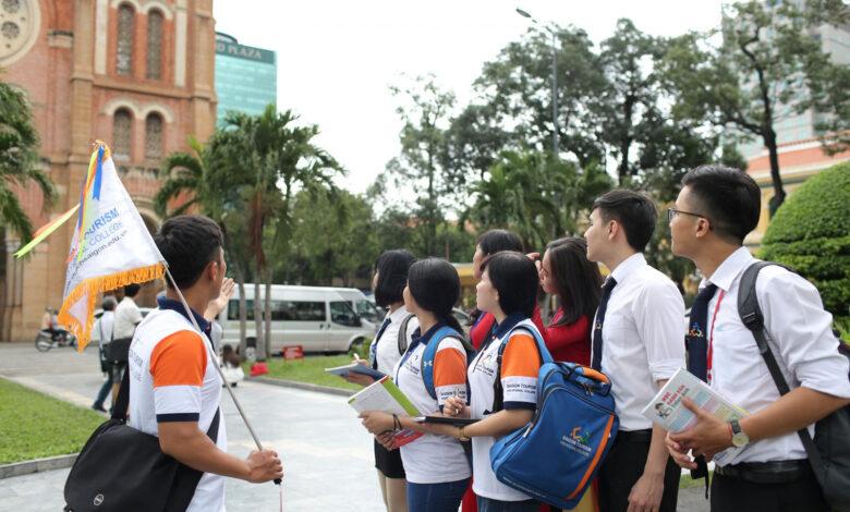 .: VGP News :.   Khẩn trương để hướng dẫn viên du lịch sớm nhận được hỗ trợ