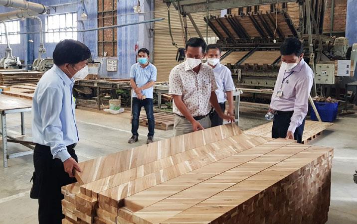 .: VGP News :.   Phú Yên tiếp sức doanh nghiệp hồi phục sau đại dịch