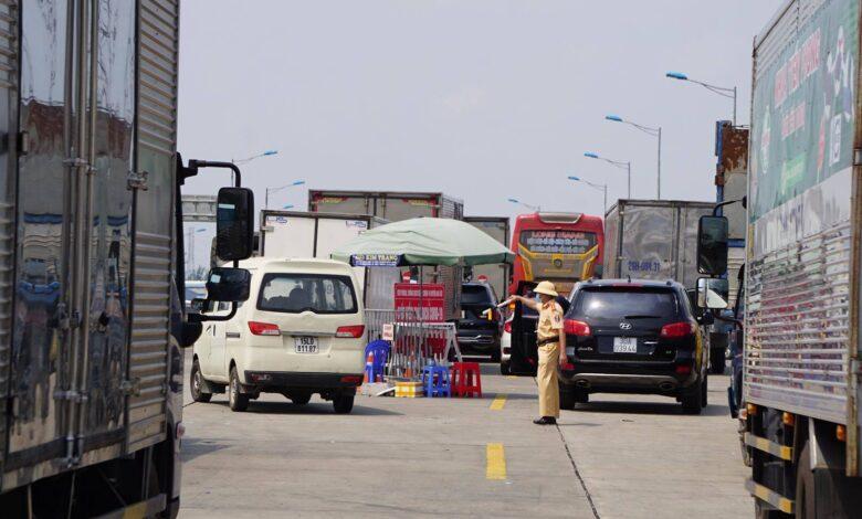 Bộ GTVT yêu cầu chấm dứt ngay tình trạng ùn tắc giao thông tại các chốt