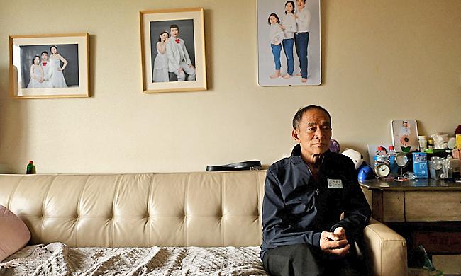 'Quả bom hẹn giờ' của người già Trung Quốc